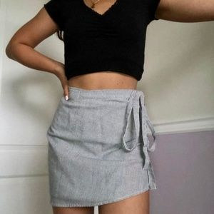 NWOT Brandy Melville Pinstripe Wrap Skirt Geneviev